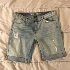 🔥sale🔥Women's distressed shorts size 14/32🔥